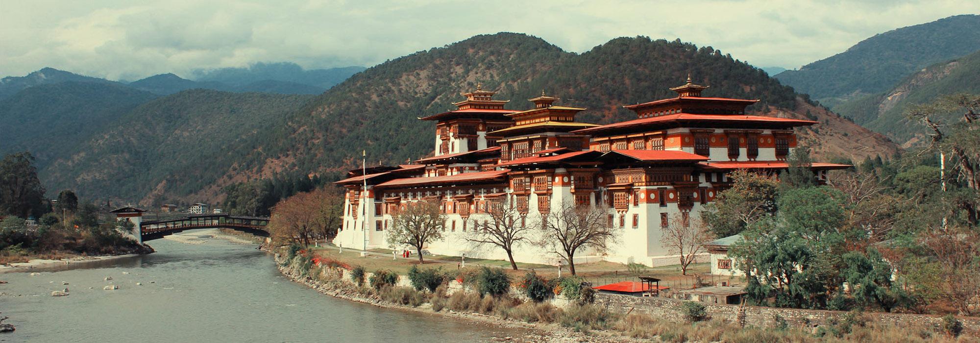 BEST TOURIST ATTRACTIONS IN BHUTAN